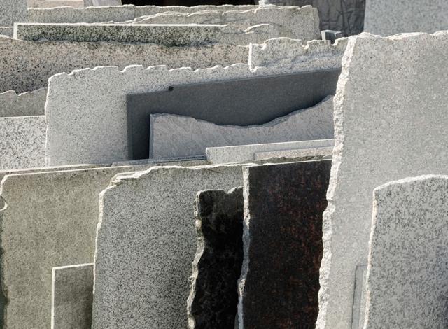 Naturstein am Bau in unserem Steinmetzbetrieb